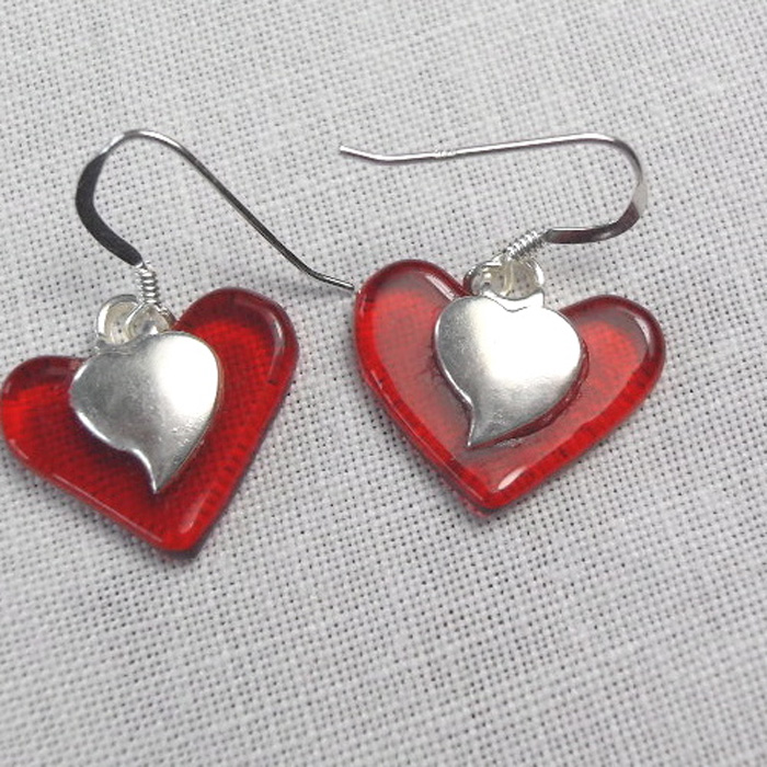 red_heart_earrings